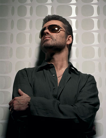 George Michael прервал турне после аварии