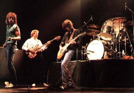 Пара билетов на предстоящий концерт Led Zeppelin была продана за 83 000 фунтов стерлингов