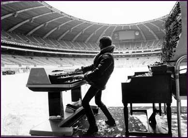 Концертный альбом «Keith Emerson, Glenn Hughes, Marc Bonilla. Boys Club. Live From California» выходит вапреле