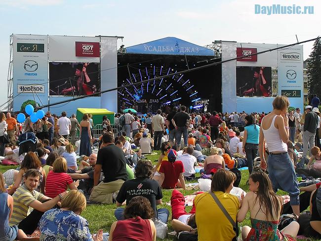 Крупнейший вРоссии джазовый open-air проект «Усадьба. Джаз» принесет лето вМоскву вшестой раз!