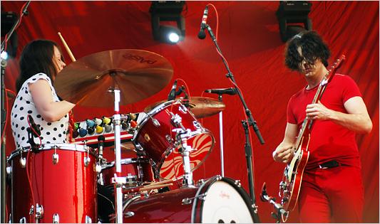 White Stripes выпускают первый официальный живой альбом