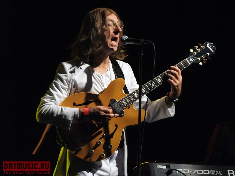 Юбилей Леннона Москва отпраздновала по-настоящему, хоть исненастоящими The Beatles— Bootleg Beatles