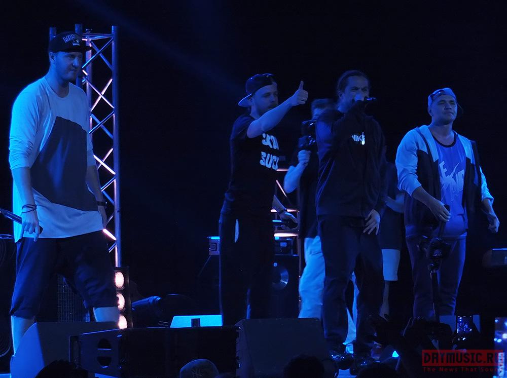 Каста смузыкантами выступила сбольшим концертом вМоскве