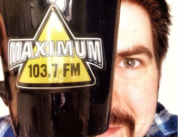 День радио наMAXIMUM сновым ведущим поимени Адам Джеймс изНью-Йорка