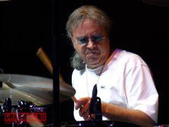 Говорить или… стучать? Барабанщик Deep Purple Иэн Пейс приехал вМоскву смастер-классом