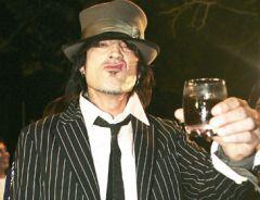 ТоммиЛи (Mötley Crüe, Methods OfMayhem) иРоджер Тейлор (Duran Duran) выступят назакрытой вечеринке вМоскве