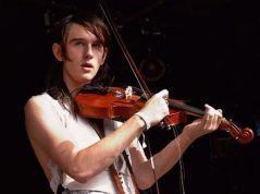 Patrick Wolf сыграл вПитере надесятке инструментов