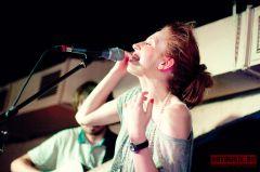 Обе Две отыграли акустический концерт вМоскве